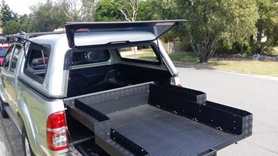 Toyota Hilux sliding tub tray 400kg
