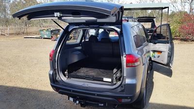 Mitsubishi-Challanger-Ezi-reach-cargo-tray-in
